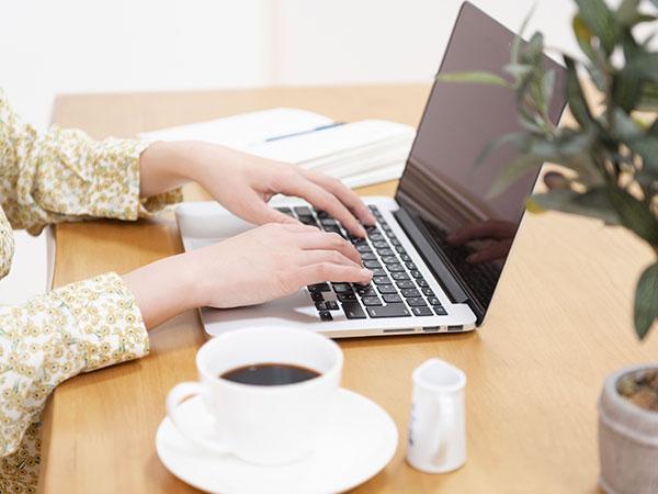 PC dan Meja kerja